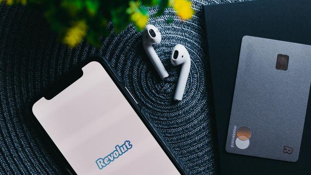 Digitální banka Revolut boří hranice – nakupuj akcie, plať přes Apple pay