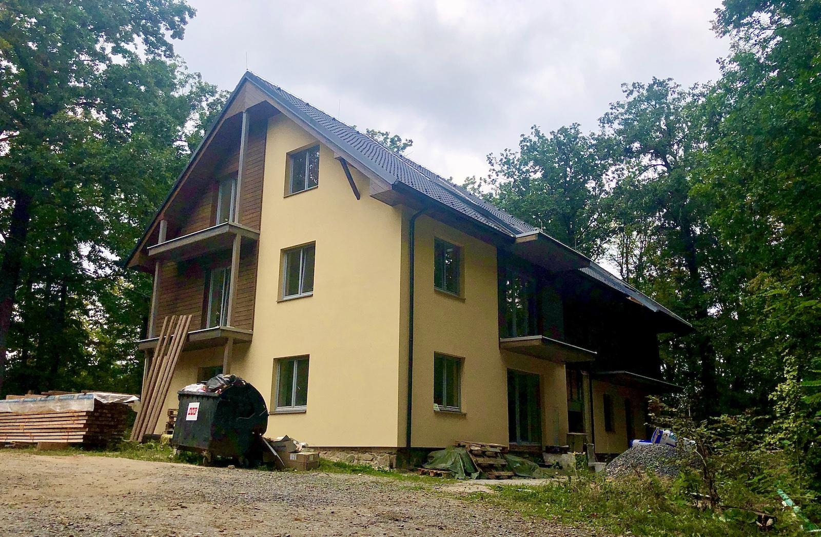 Byty v přírodě a komunitní bydlení u Brněnské přehrady